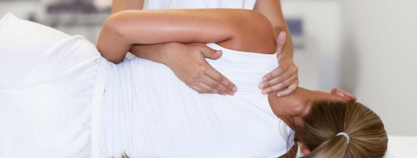 Per massoterapia, o terapia del massaggio, si suole intendere dunque un insieme di manovre eseguite sul corpo di un soggetto tese a lenire dolori muscolari o articolari, allentare tensioni e affaticamento muscolare, tonificare il volume di alcuni tessuti, ma anche migliorare benessere psichico.
